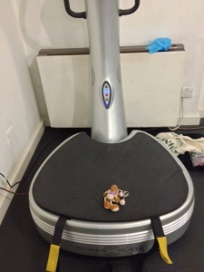 Reg vibrating on the Power Plate